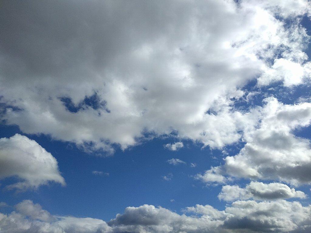 Nexus 5Xで撮った青空と雲