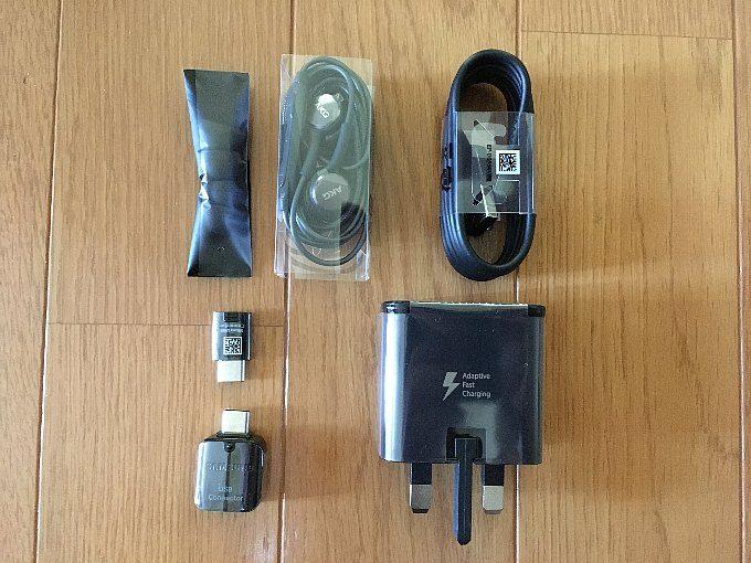 香港版Galaxy S8+のパッケージ内容
