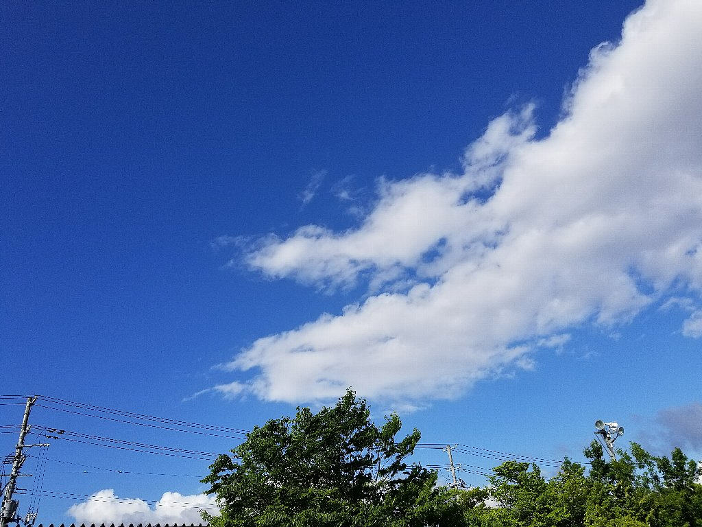 Galaxy S8+で撮影した空と雲