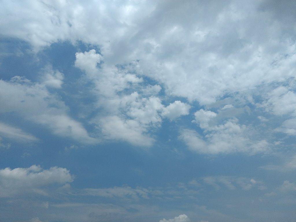 端末1で撮った空