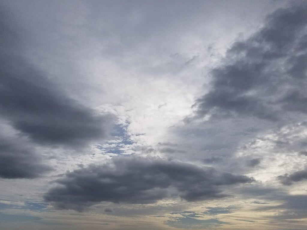 Galaxy S8+で撮った空