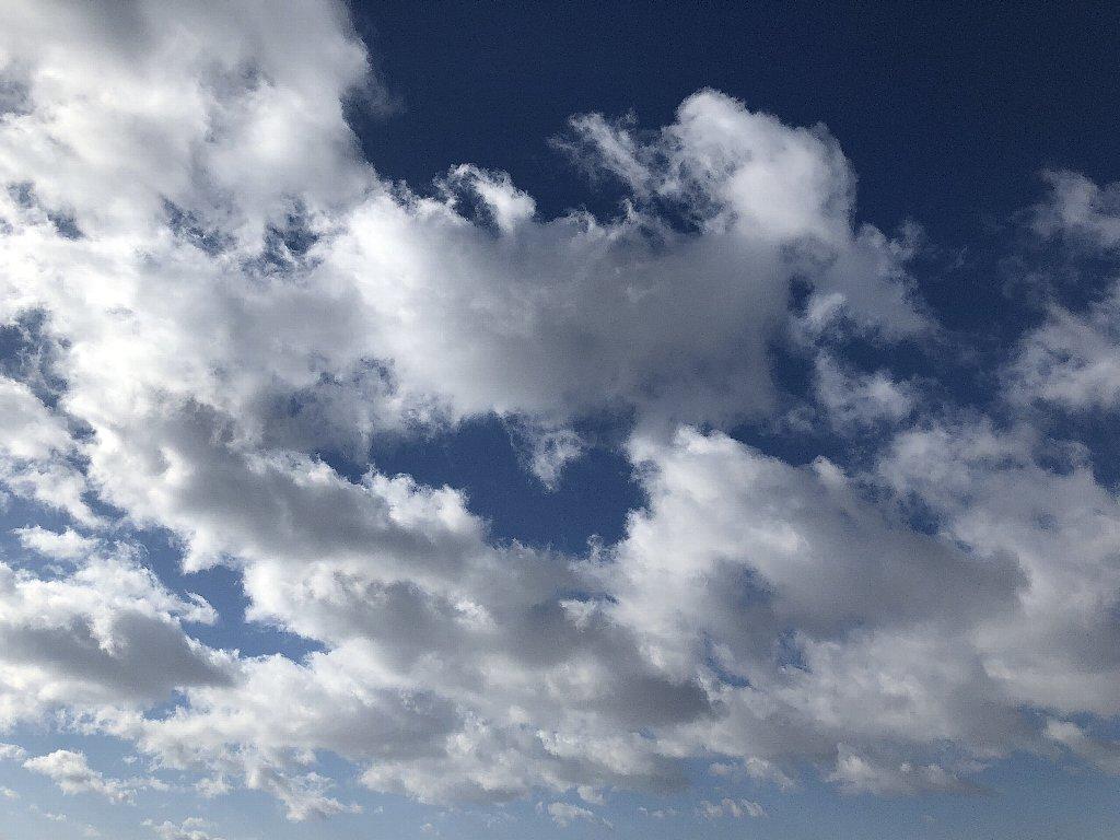 iPhoneXで撮影した空と雲